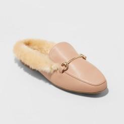 Nude Furry Flat